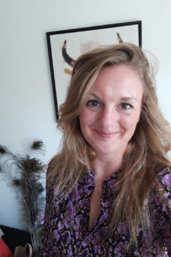 Wendy de Bonte boksen leusden thai massage therapie lichaamsgericht zelfregulatie privetraining coaching groepstraining trauma release excercises lichaam geest mfc antares
